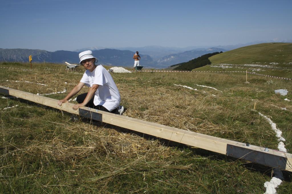 Scrittura Magica Terra Madre ideata da Walter Zuccarini   Land Art in Abruzzo