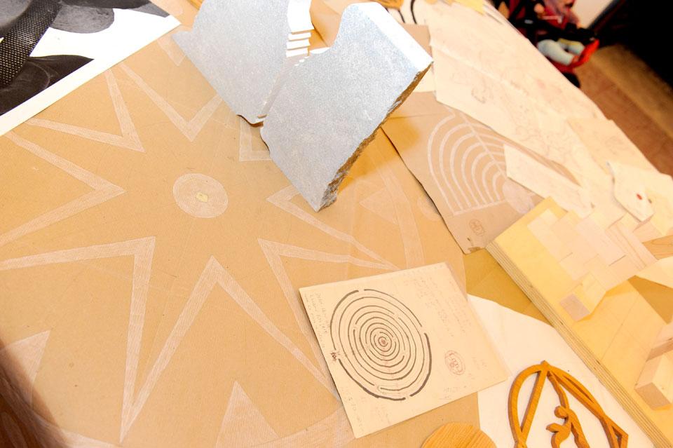infinito presente mostra zuccarini12 Immagini e ricordi della mostra Infinito Presente (31 maggio   7 giugno 2015)   Chieti workshop di scultura walter zuccarini teatro simurgh stefania barbetta scultura ottagono mostra artigianato artistico artigianato