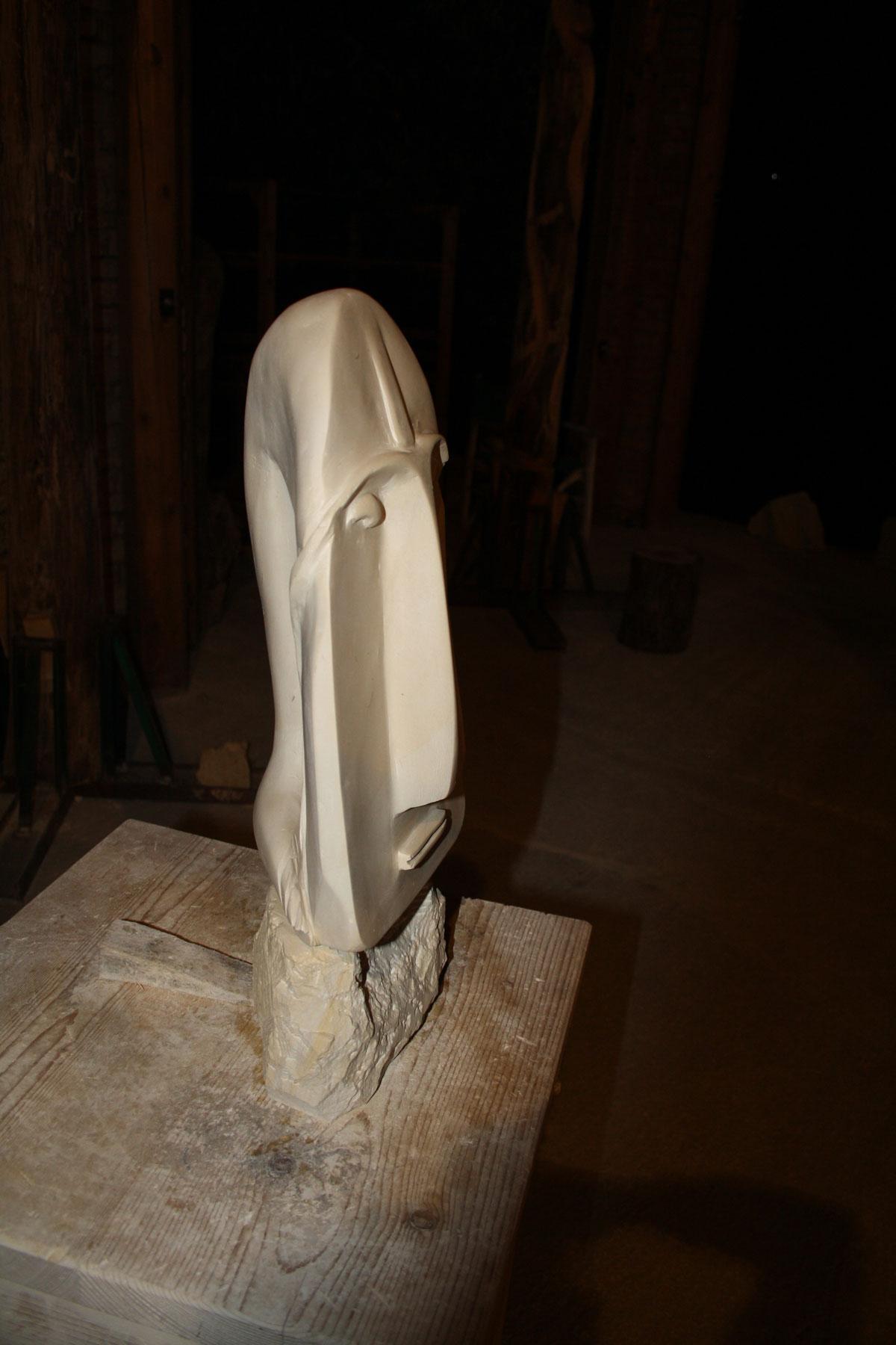 6. IMG 67431 SETTIMANA MAGICA   laboratorio di scultura manuale su pietra (10 17 giugno) settimana magica scultura walter zuccarini scultura su pietra corso scultura