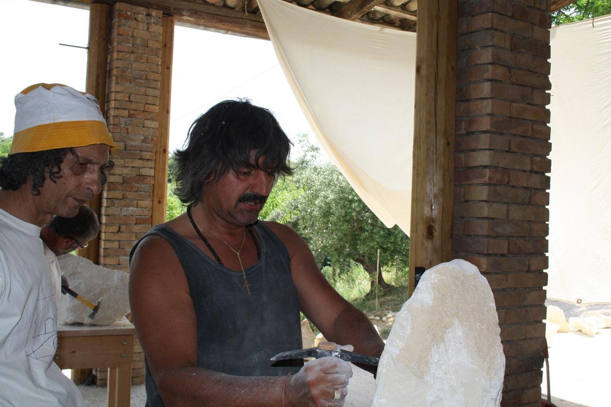 IMG 6650 SETTIMANA MAGICA   laboratorio di scultura manuale su pietra (10 17 giugno) settimana magica scultura walter zuccarini scultura su pietra corso scultura