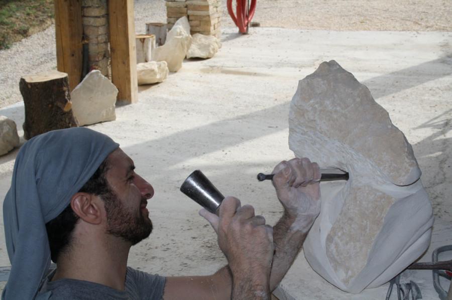 IMG 6763 900x598 SETTIMANA MAGICA   laboratorio di scultura manuale su pietra (10 17 giugno) settimana magica scultura walter zuccarini scultura su pietra corso scultura