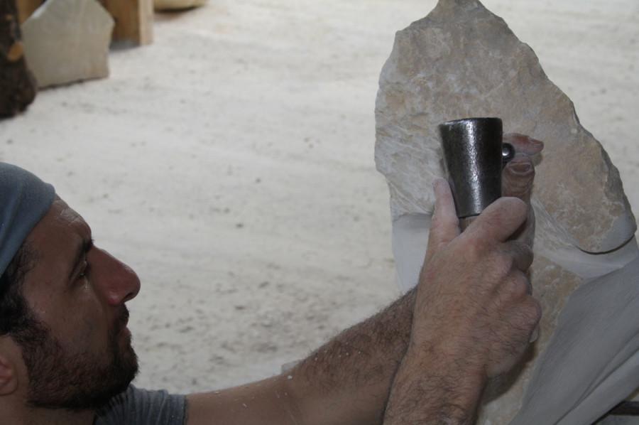 IMG 6768 900x598 SETTIMANA MAGICA   laboratorio di scultura manuale su pietra (10 17 giugno) settimana magica scultura walter zuccarini scultura su pietra corso scultura