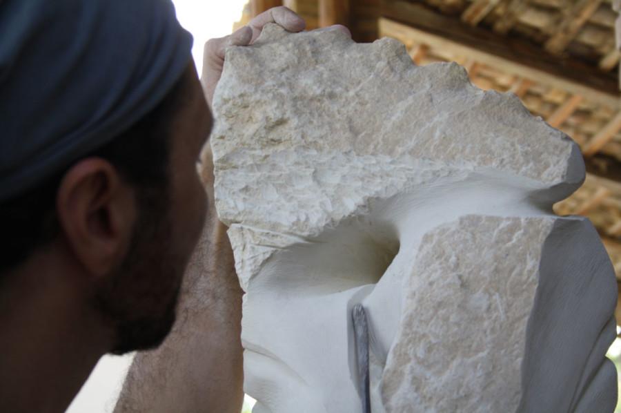 IMG 6769 900x598 SETTIMANA MAGICA   laboratorio di scultura manuale su pietra (10 17 giugno) settimana magica scultura walter zuccarini scultura su pietra corso scultura