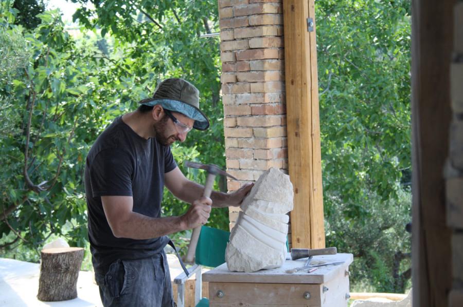 IMG 6775 900x598 SETTIMANA MAGICA   laboratorio di scultura manuale su pietra (10 17 giugno) settimana magica scultura walter zuccarini scultura su pietra corso scultura