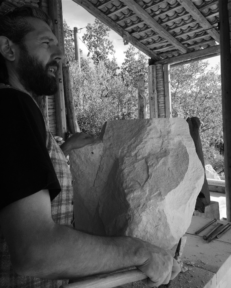 foto io con pietra