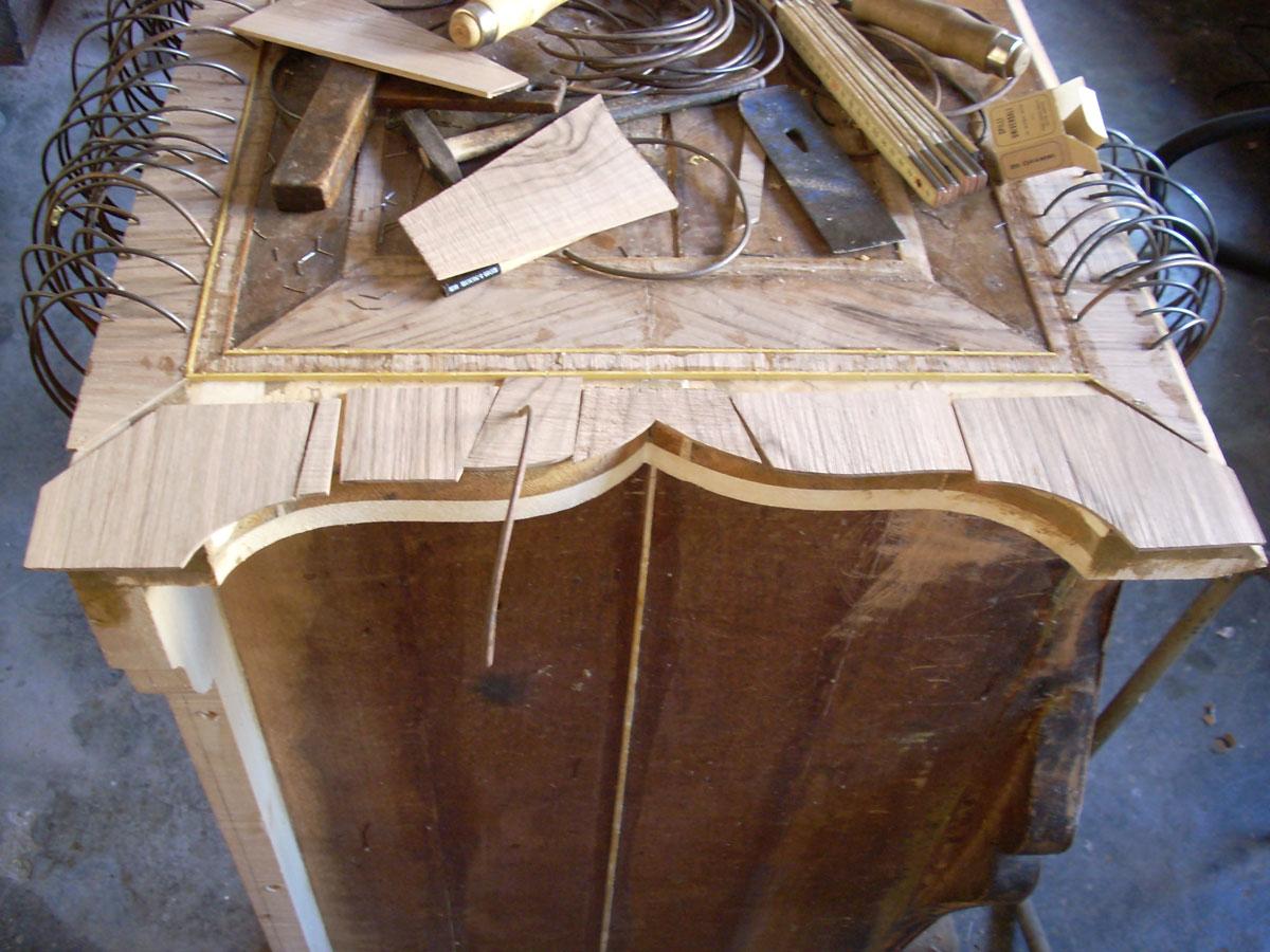 sostituzione e incollaggio di una lastronatura Corso di restauro restauro