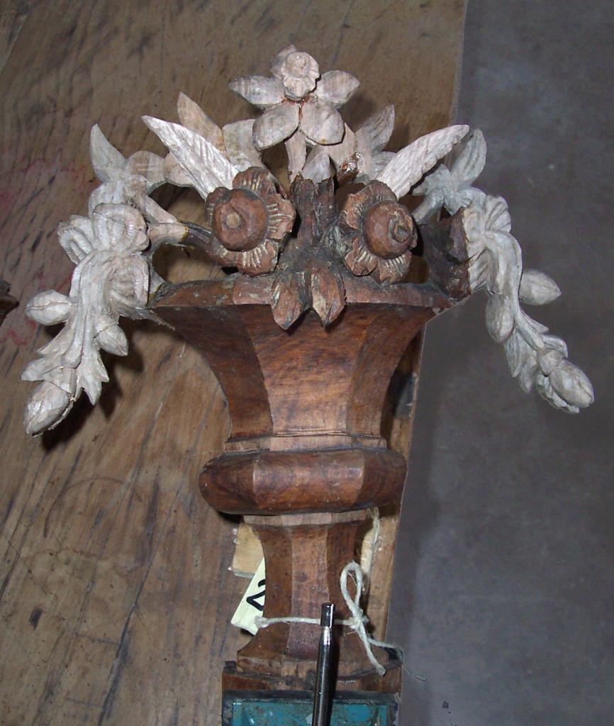 vaso-con-frutta-e-fiori-ricostruzione-delle-parti-mancanti