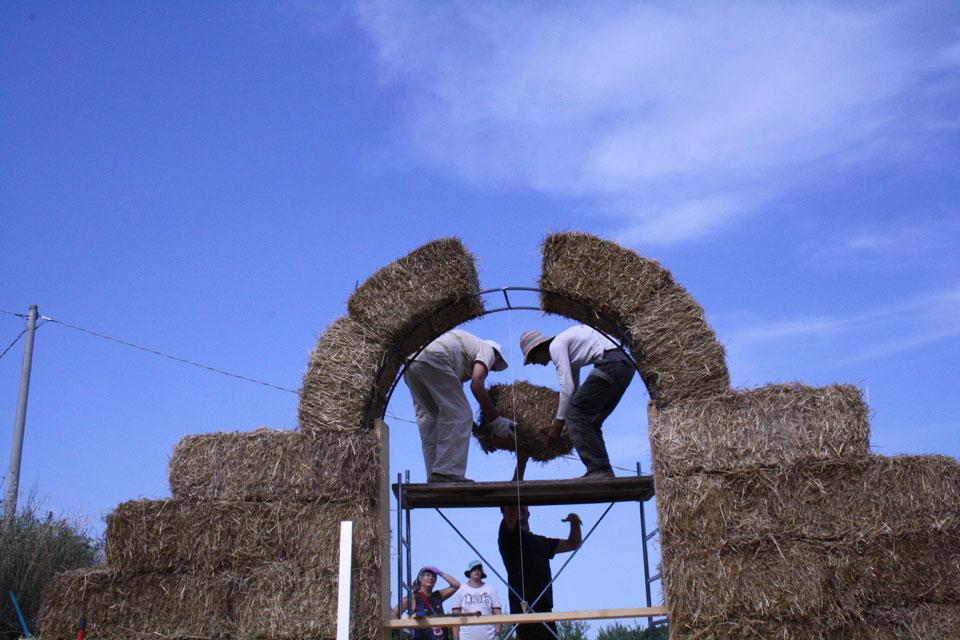 5 La Porta di Giano walter zuccarini land art la porta di giano giano furlo