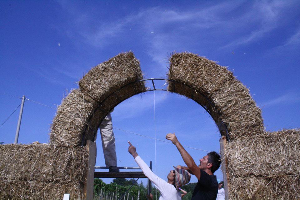 6 La Porta di Giano walter zuccarini land art la porta di giano giano furlo