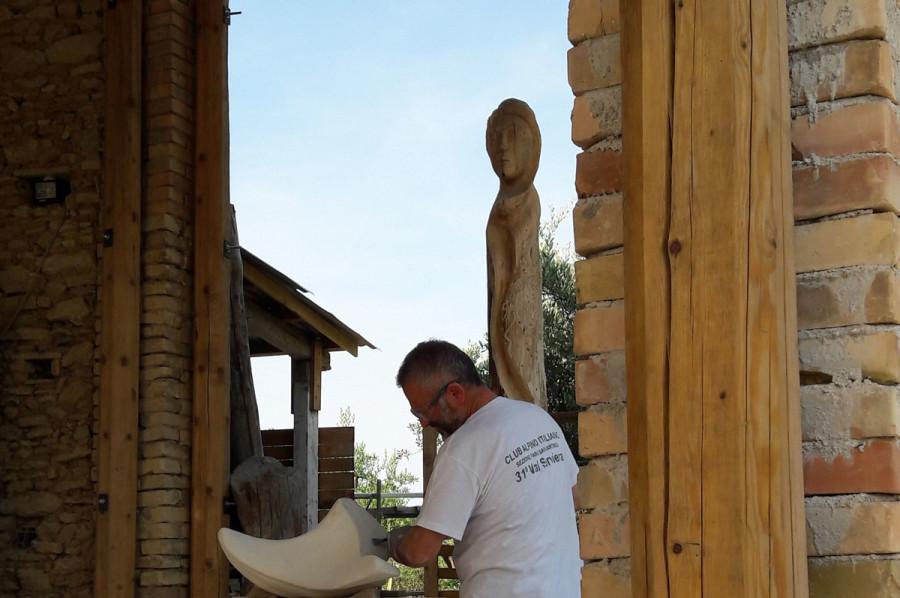 20170614 162850 900x598 SETTIMANA MAGICA   laboratorio di scultura manuale su pietra (10 17 giugno) settimana magica scultura walter zuccarini scultura su pietra corso scultura