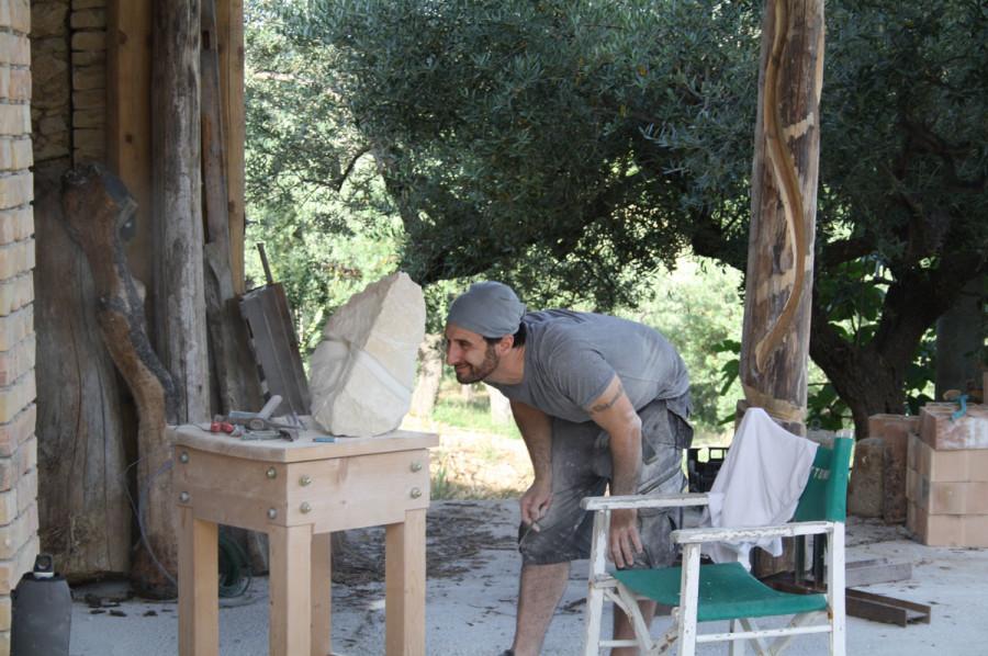 IMG 6774 900x598 SETTIMANA MAGICA   laboratorio di scultura manuale su pietra (10 17 giugno) settimana magica scultura walter zuccarini scultura su pietra corso scultura