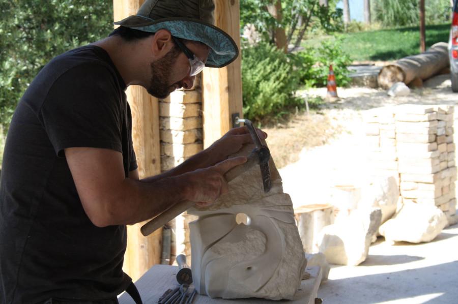 IMG 6777 900x598 SETTIMANA MAGICA   laboratorio di scultura manuale su pietra (10 17 giugno) settimana magica scultura walter zuccarini scultura su pietra corso scultura